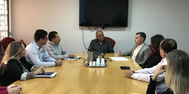 Frente Parlamentar dos Idosos faz reunião com prefeito Izaias