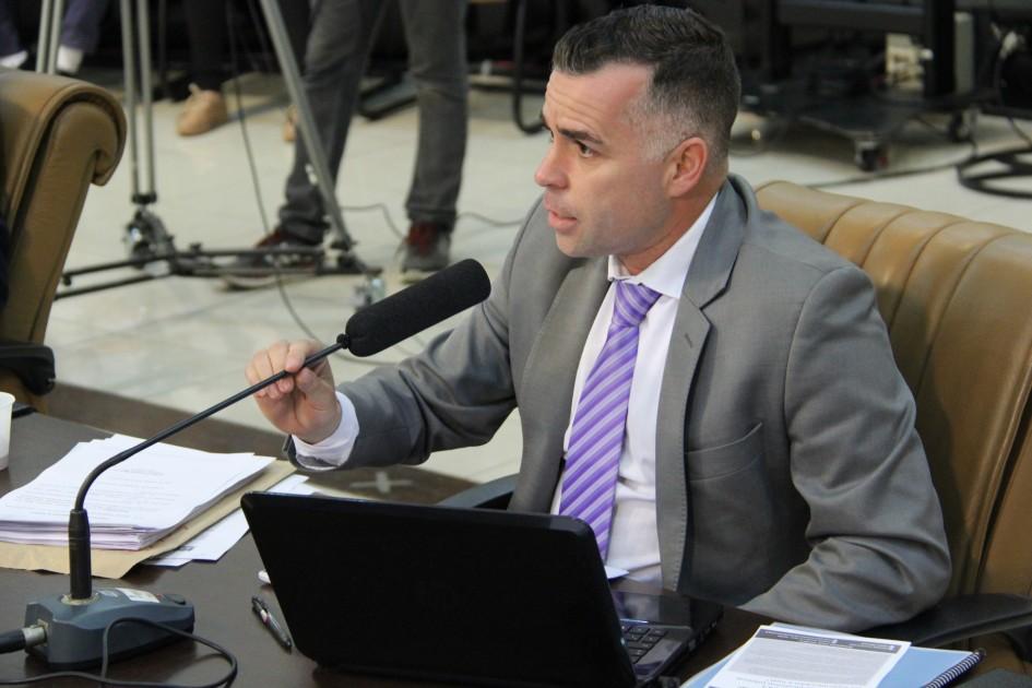 Luís Flávio pede mais policiamento ostensivo em bairros de Jacareí