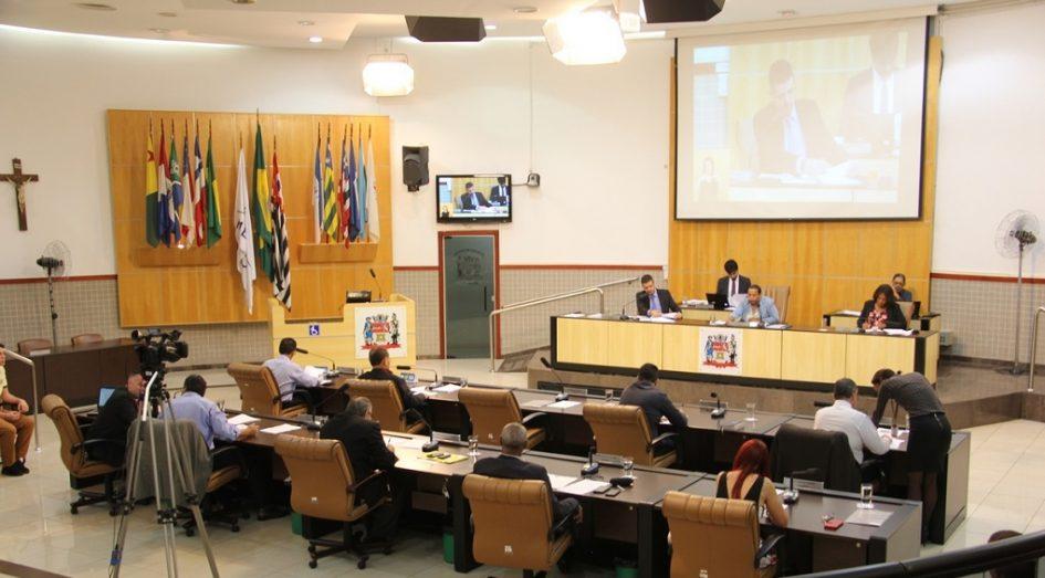 Câmara discute novo feriado municipal e mais três projetos