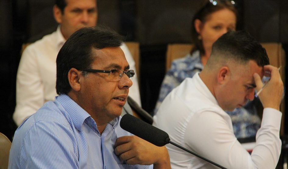 Arildo quer mais conforto para usuários do transporte público no Avareí