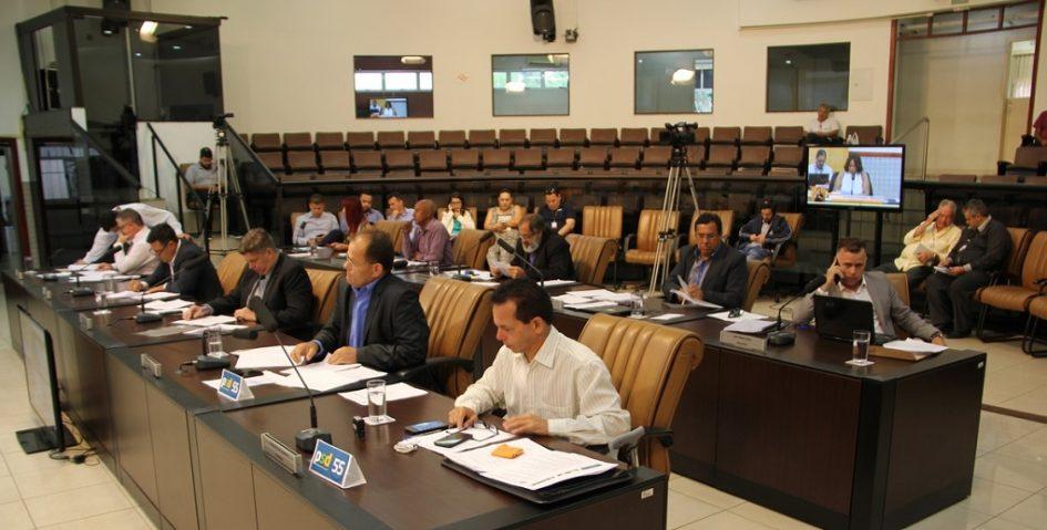 Câmara vota projeto que cria programa de prevenção ao suicídio em Jacareí