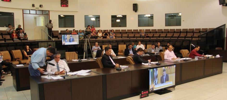 Câmara retoma votação de projeto que cria programa de prevenção ao suicídio