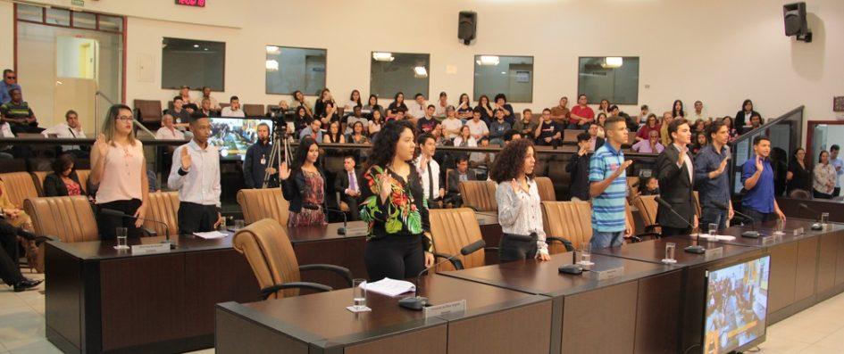 Estudantes das redes pública e particular assumem mandato do Câmara Jovem 2018