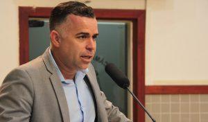 Luís Flávio questiona prefeitura sobre à diminuição de vagas em cursos profissionalizantes