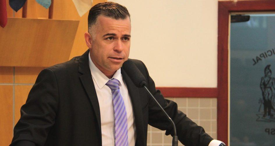 Luís Flávio quer medidas para evitar acidentes em ruas do Cidade Salvador