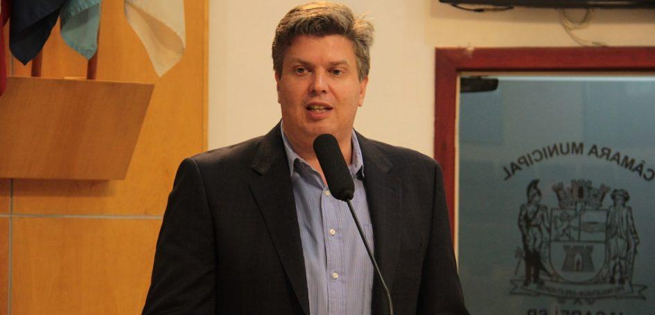 Rodrigo Salomon pede mais médicos na UMSF Bandeira Branca e castração de cães e gatos no Porto Velho