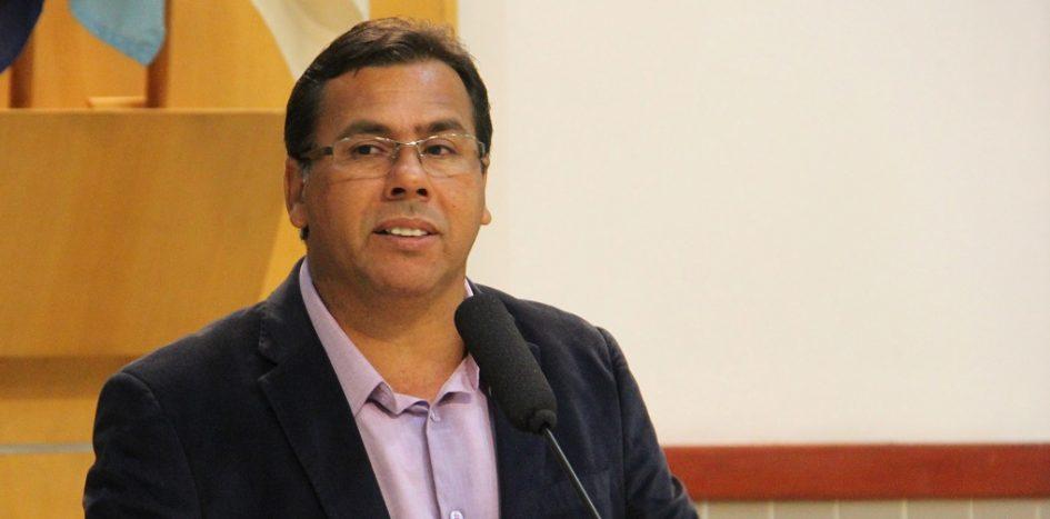 Arildo Batista solicita melhorias para o Jardim Colinas em Jacareí