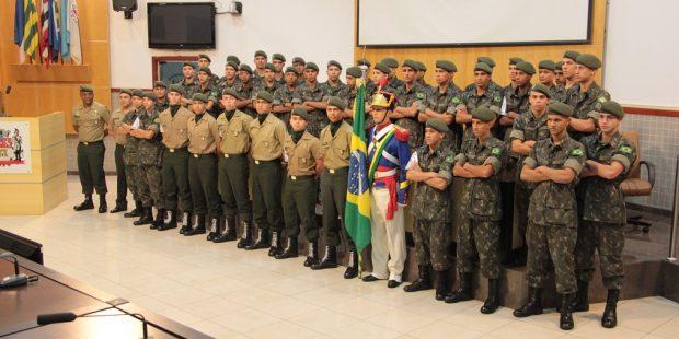 Atiradores do Exército Brasileiro recebem diploma de Honra ao Mérito