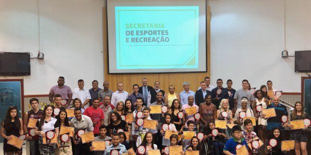Atletas que se destacaram em Jacareí são homenageados em sessão solene
