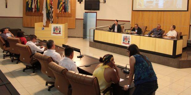 Comissão discute transporte público em audiência na Câmara Municipal