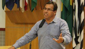 Arildo indica serviços de infraestrutura urbana no Parque Califórnia, Centro e Parque dos Príncipes