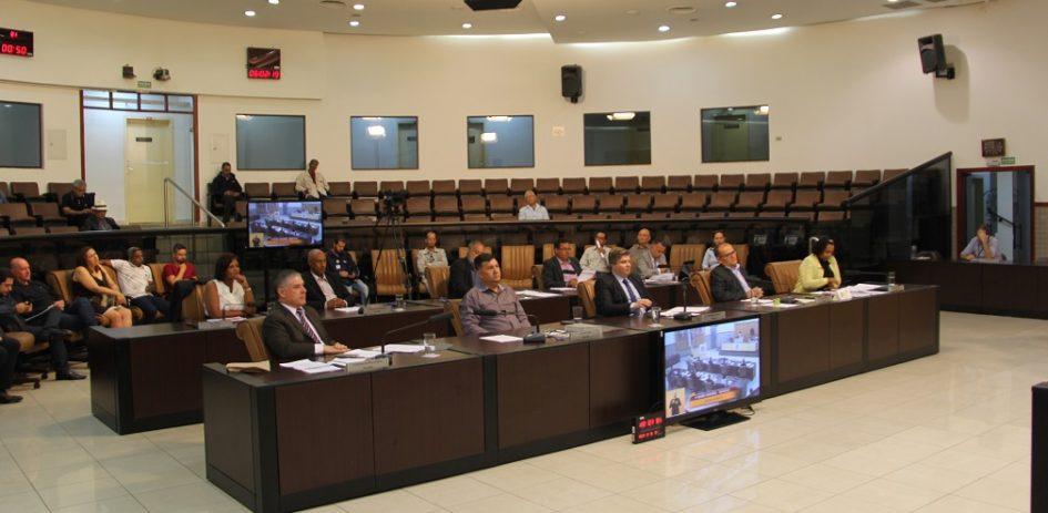 Câmara adia julgamento de contas de 2001 da Prefeitura de Jacareí