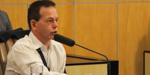 Paulinho do Esporte pede intermediação da Prefeitura para que ônibus chegue até o Santa Paula