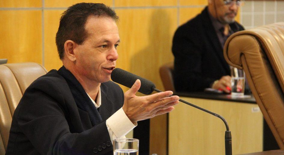 Paulinho do Esporte solicita medidas de segurança para bairros das regiões leste e oeste