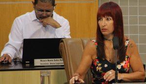 Sônia Patas da Amizade pergunta sobre prática e programas de xadrez em Jacareí