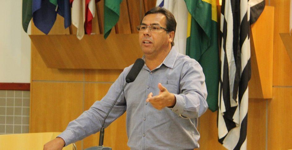 Arildo indica operação Tapa Buracos em ruas da Vila Nova Aliança, Nova Esperança e São João