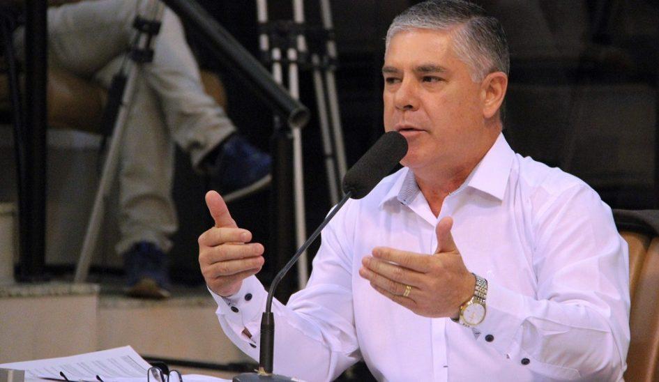 Com risco de transmissão de doenças, Fernando pede fim de gavetões no Cemitério Jardim da Paz