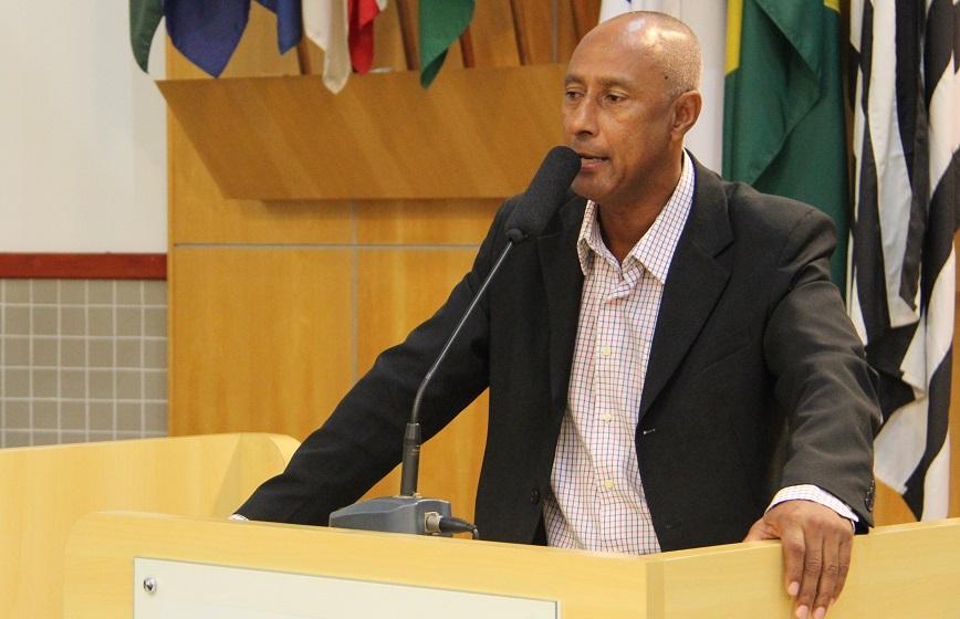 Paulinho dos Condutores questiona prefeitura sobre reposição de guardas na CGM