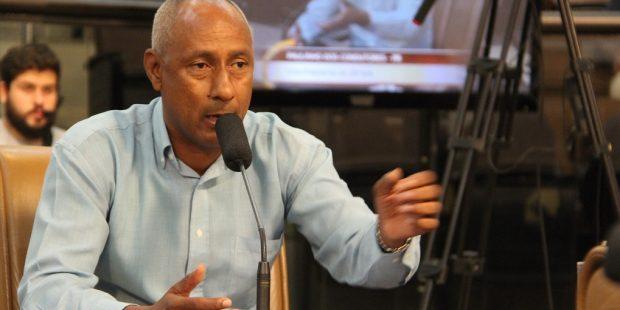 Paulinho dos Condutores questiona rede de creches públicas e conveniadas de Jacareí