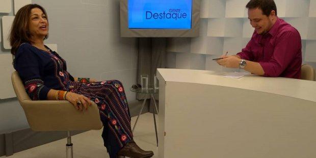 Gente em Destaque entrevista cantora jacareiense Jurema Cândia