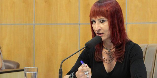 Sônia quer informações sobre programas habitacionais da Fundação Pró-Lar em Jacareí