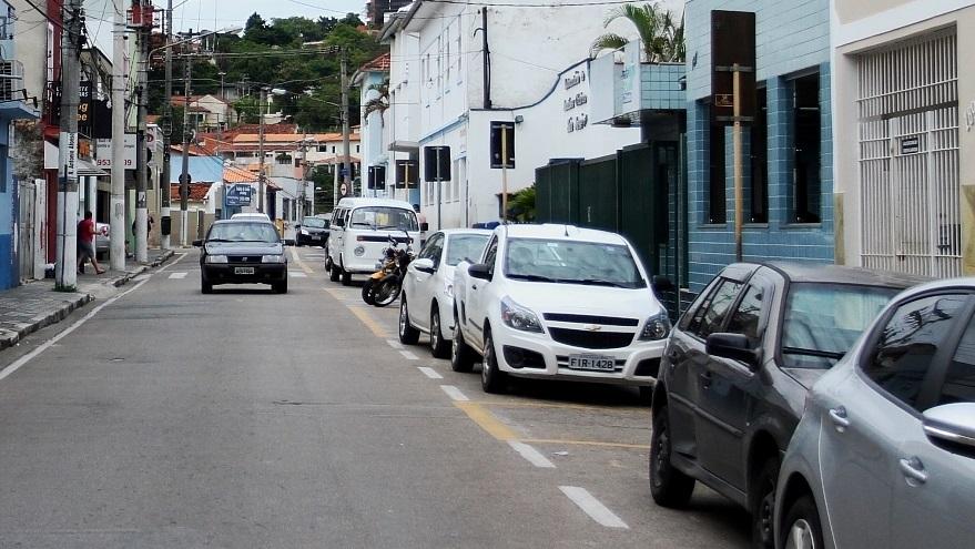 Comissão quer respostas em relação à diminuição de vagas para táxi em Jacareí
