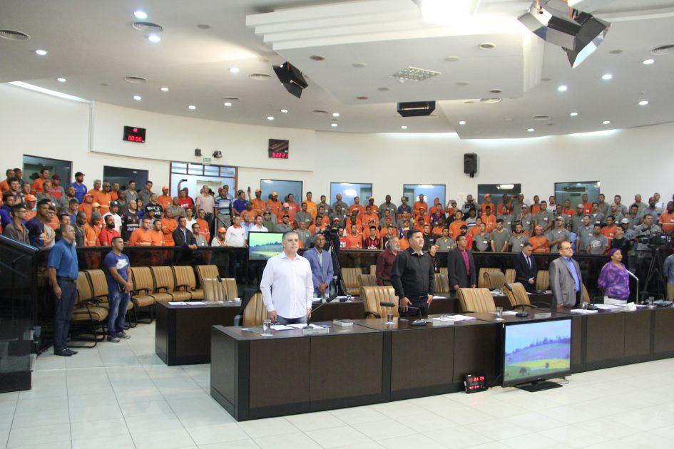Após greve dos coletores de lixo, Câmara abre 'CPI da Ambiental'