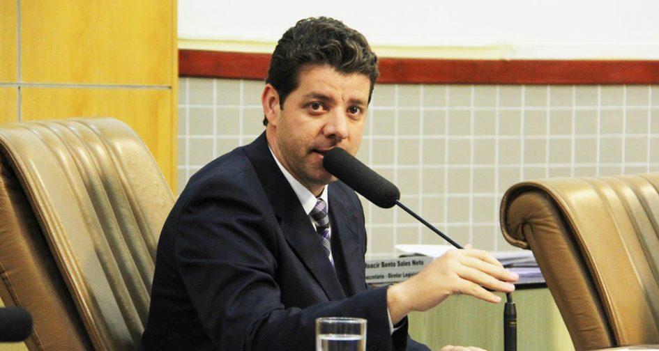 Abner indica rampa de acesso ligando Getúlio Vargas à Rua das Prímulas