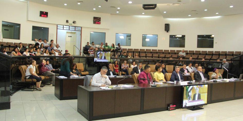 Câmara mantém veto ao projeto que regulamenta presença de doulas nos hospitais de Jacareí