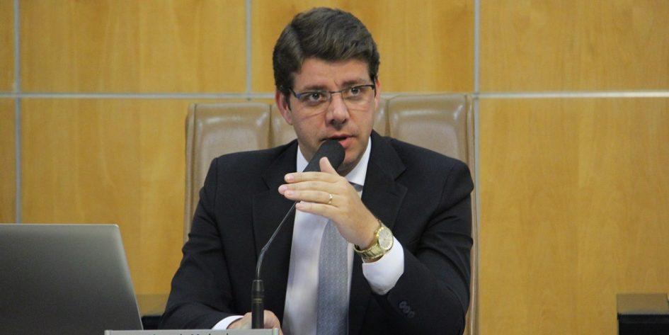 Presidente da Câmara indica academia ao ar livre no Portal Alvorada