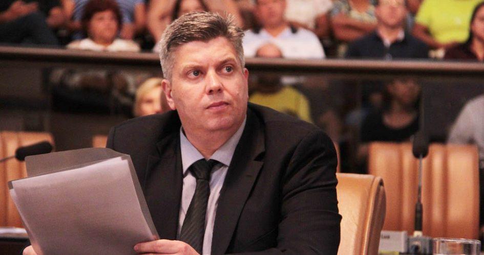 Rodrigo Salomon solicita quadro de funcionários da UPA Dr. Thelmo de Almeida Cruz