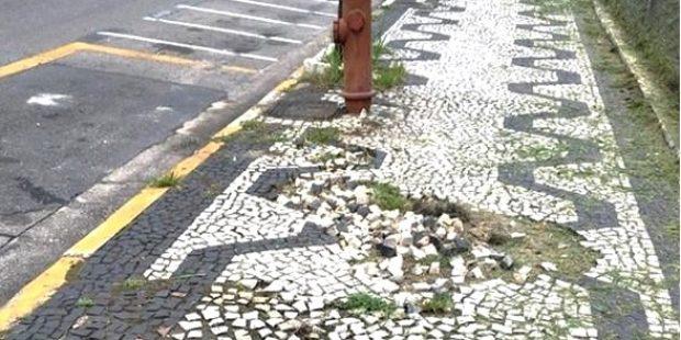 Arildo indica reposição de piso em calçada da Rua Capitão João José de Macedo