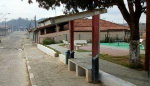 Arildo indica substituição de abrigos em pontos de ônibus da Vila Garcia