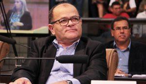 Juarez pede ao DER renovação de sinalização em trecho da Rodovia Nilo Máximo
