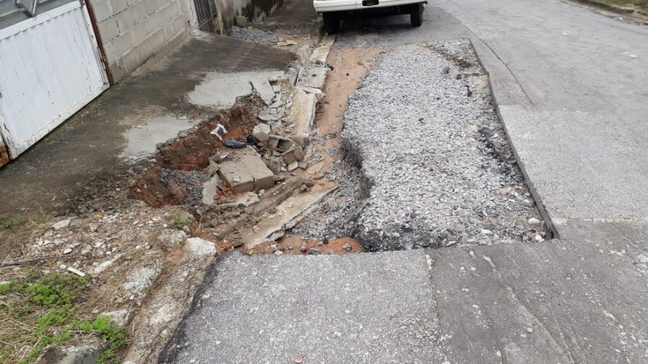 Arildo pede urgência da Prefeitura para conclusão de serviços na Rua Darcy José de Faria