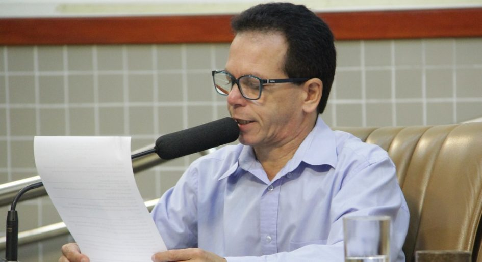 Paulinho do Esporte pede manutenção na antiga Estrada de Igaratá