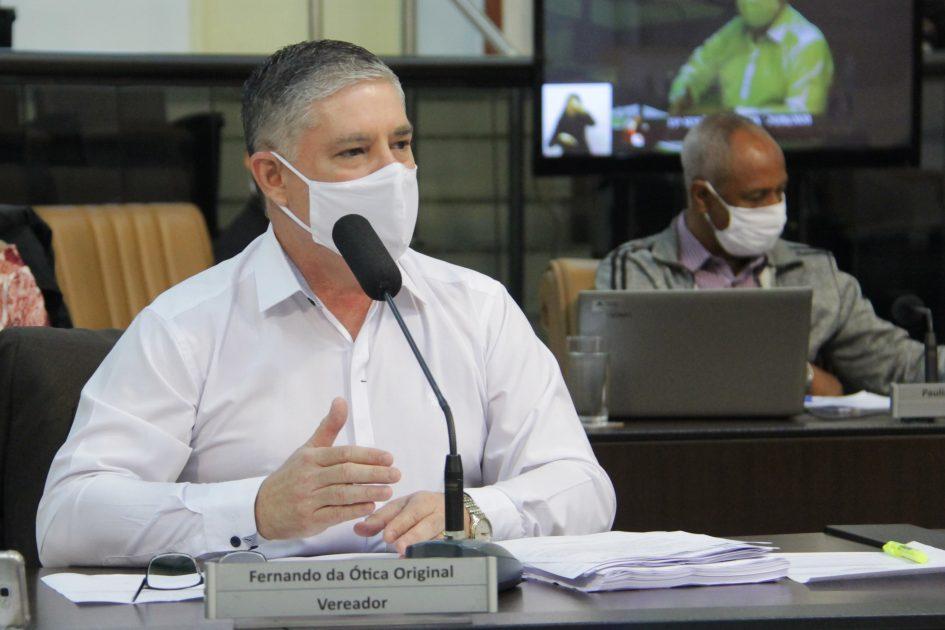 Fernando pede cópia de contrato entre Distal e Prefeitura para construção de hospital de campanha