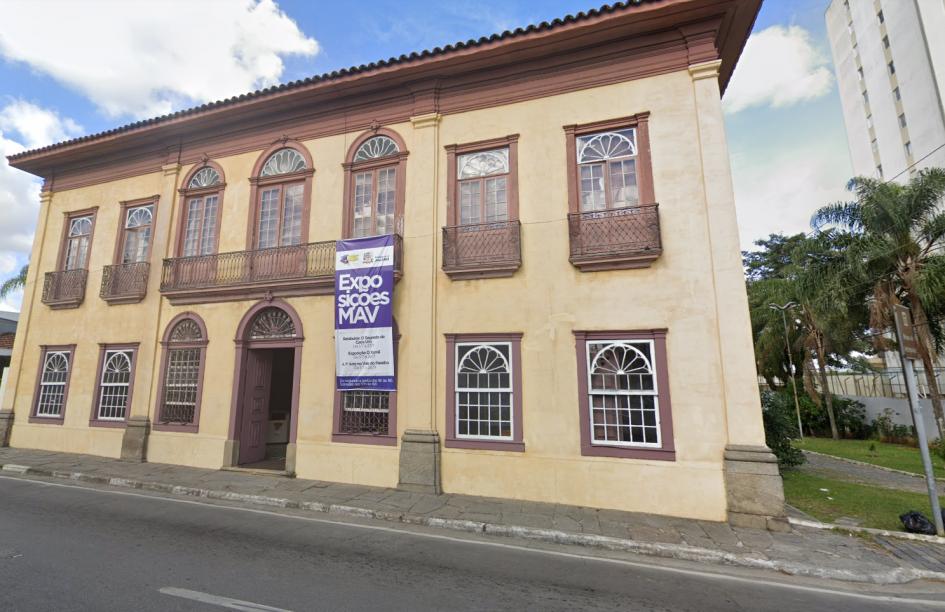 Lucimar pede informações sobre salão no MAV destinado à política cultural de Jacareí