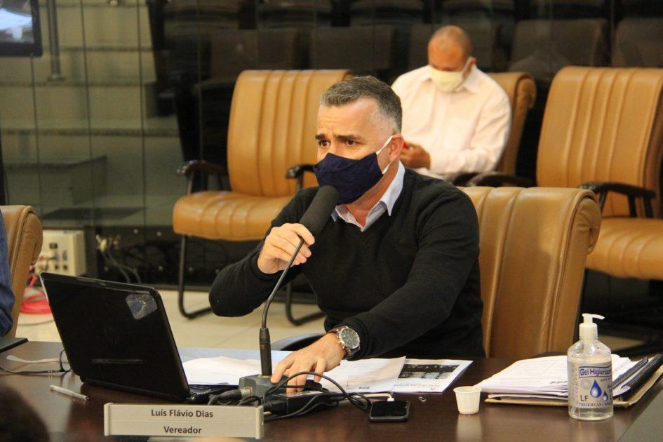 Luís Flávio pede fiscalização na linha de ônibus do Pagador Andrade contra o contágio da Covid-19