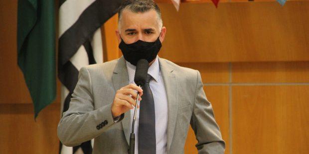 Luís Flávio pede Central de Informação para auxiliar familiares dos pacientes com Covid-19