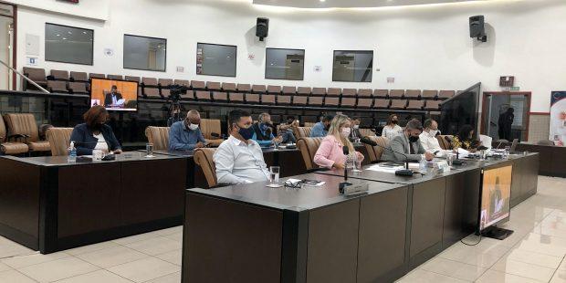 Câmara rejeita projeto que trata sobre fios de postes em Jacareí