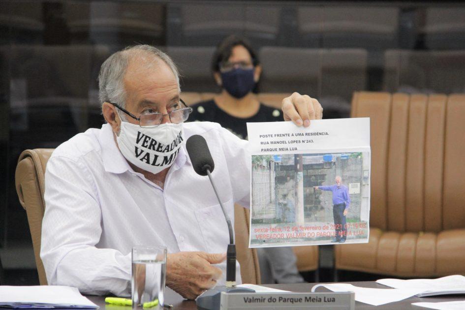 Valmir questiona pontos do contrato entre a Prefeitura e a Ambiental