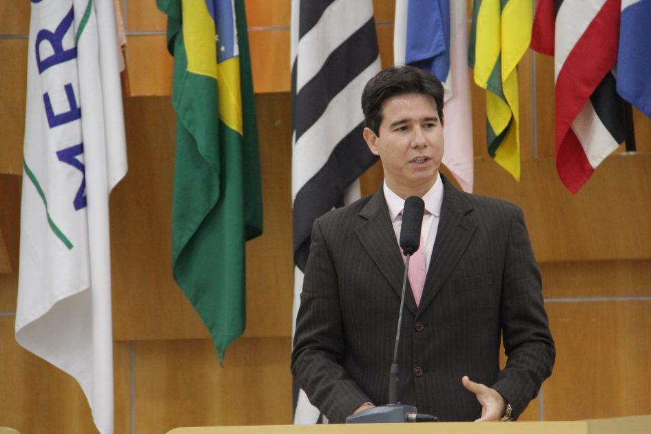 Hernani questiona Prefeitura sobre plano de pavimentação no Jardim Bela Vista