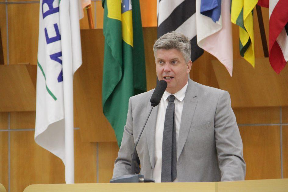 Dr. Rodrigo Salomon questiona nomeação de servidores em função gratificada na Saúde