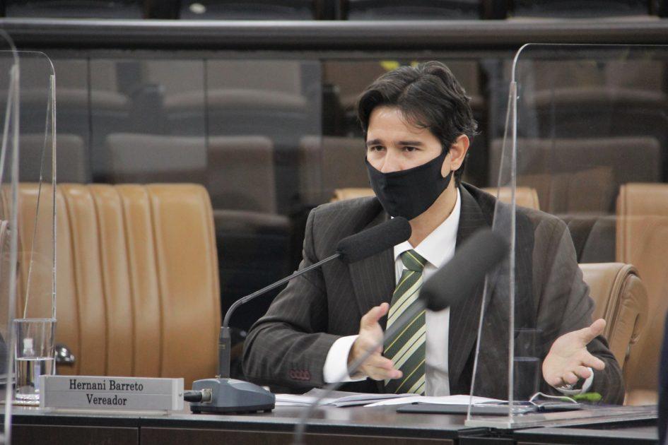 Hernani questiona prefeito sobre regularização de bairros da região oeste