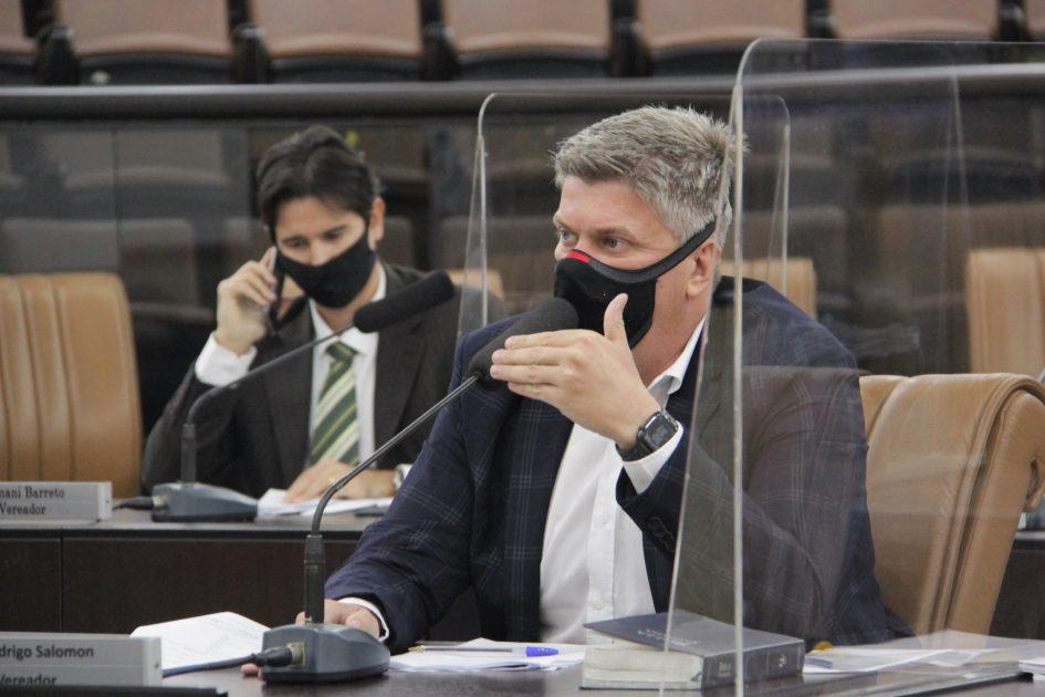 Rodrigo Salomon pede anistia das multas dadas aos comerciantes na pandemia