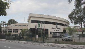Câmara vota parecer favorável do TCE nas contas de 2018 do prefeito Izaias Santana
