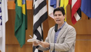 Hernani questiona prefeito sobre retirada de câmeras do COI no Cidade Salvador
