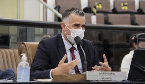 Luís Flávio questiona prefeitura sobre destino de empréstimo do CAF
