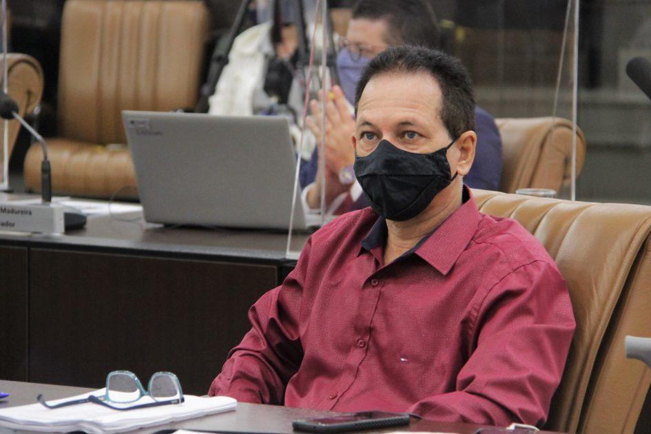 Paulinho do Esporte pede isenção de taxa de sepultamento durante pandemia